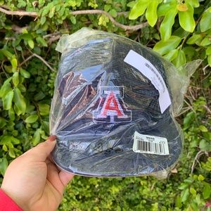 NWT UofA Fitted Flat Brim Hat